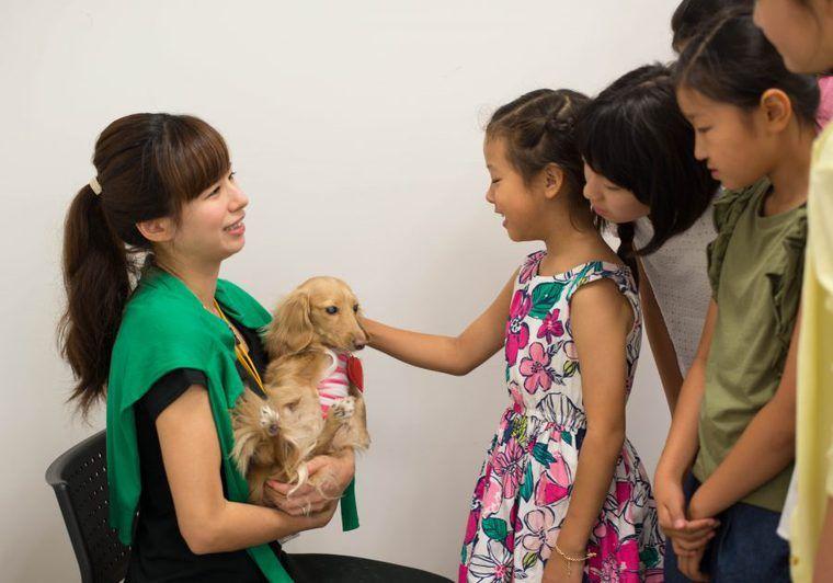 ふれあって命の大切さを学ぶ 小学生向け特別教室「動物の授業」レポート