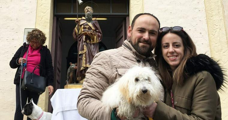 スペイン版ペットのお宮参り! 愛犬の健康祈願をする「聖アントニオの日」現地リポート