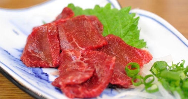 猫は馬肉を食べても大丈夫? 腎不全の猫が食べる場合の危険性とは