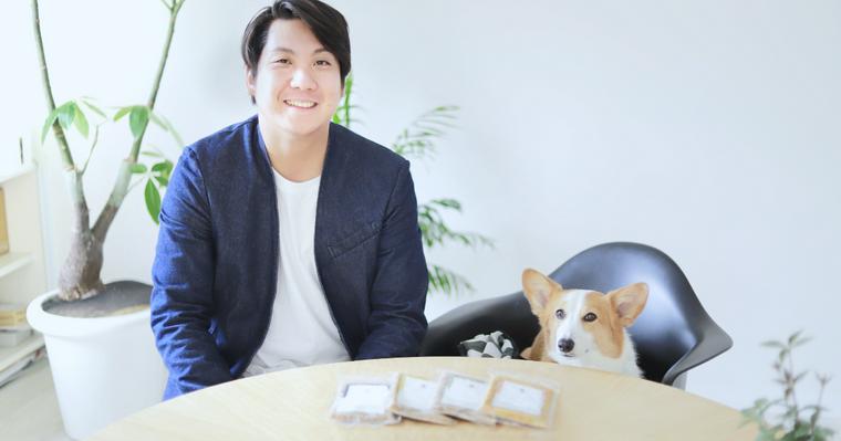 僕が愛犬コルクのために、世界一美味しい犬のごはん「PETOKOTO FOODS」をつくった理由