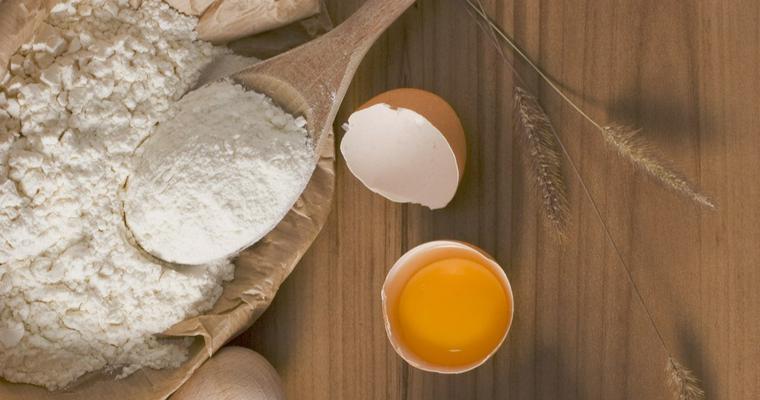犬は小麦粉を食べても大丈夫? アレルギーや肥満に注意